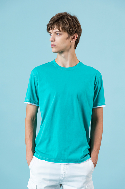 Summer T-shirt with fake double layer contrast color