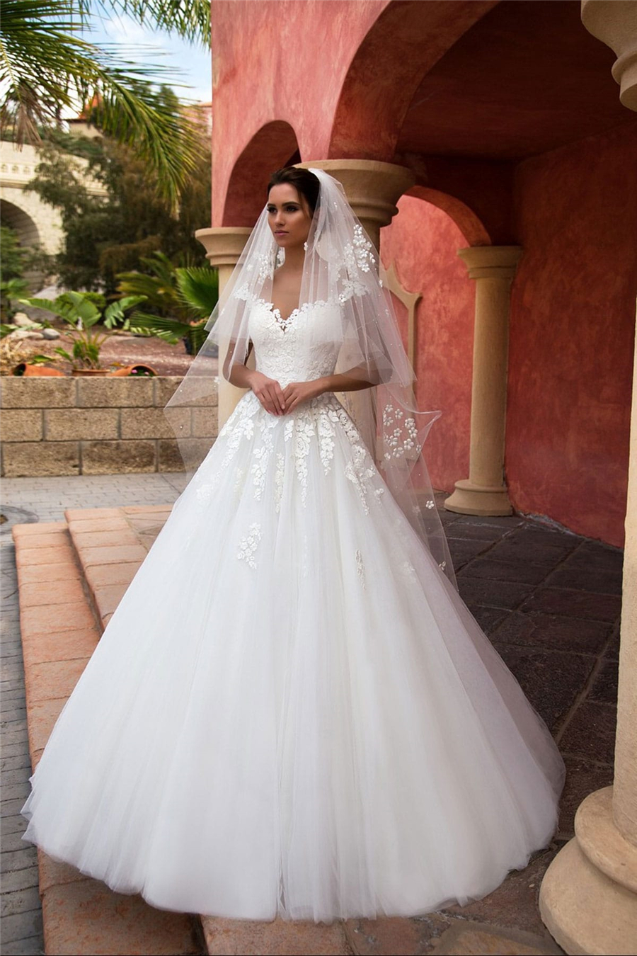 2020 Sweetheart Lace Appliques A-Line Wedding Dresses Sweep Train Long Bridal Gowns Formal Customized Online Vestidos De Mariee