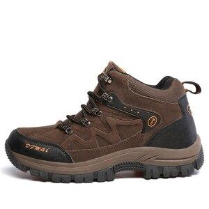Image 2 - JUNJARM zapatos de invierno para hombre, botas de nieve cálidas de alta calidad, zapatillas antideslizantes impermeables, calzado ligero 39 48 de moda, 2020
