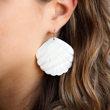 wing yuk tak Bohemian Natural Shell Earings For Women Statement Drop Earring Pendants New Fashion Jewelry Christmas Gift