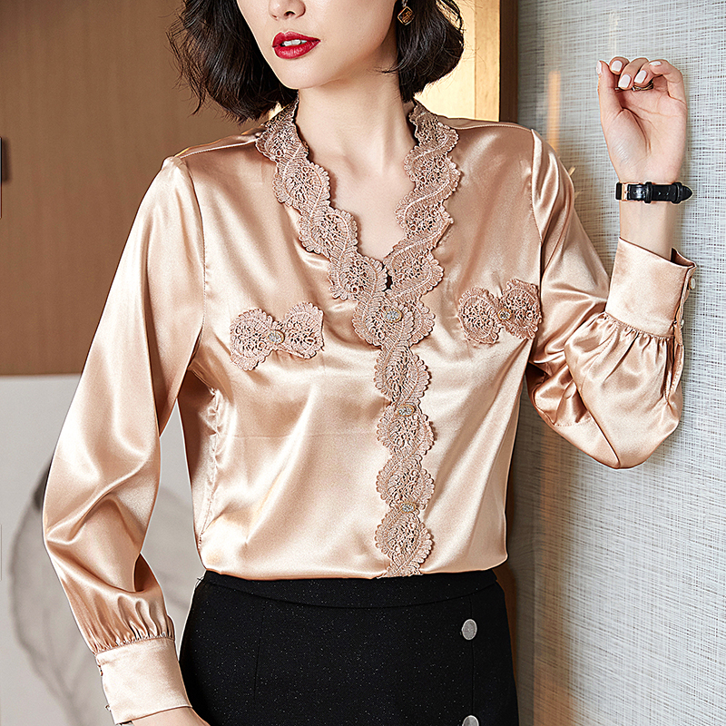 Korean Silk Blouses Women Embroidery Blouse Shirt for Women Long Sleeve Shirts Elegant Woman V Neck Lace Blouse Tops Plus Size