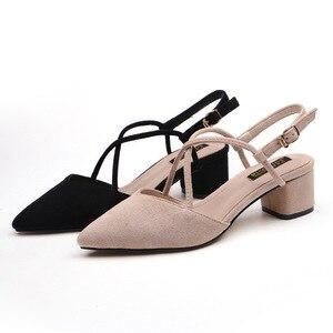 Image 2 - 신발 여성 2020 여름 샌들 여성 스퀘어 하이힐 펌프 여성 샌들 하이힐 신발 숙녀 플록 포인트 발가락 샌들