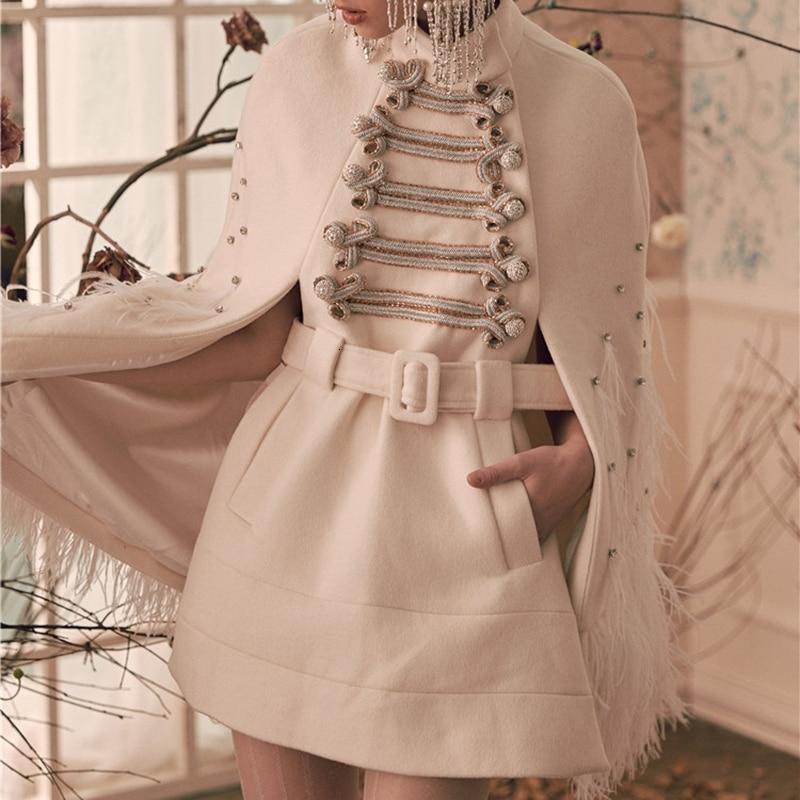 TWOTWINSTYLE Лоскутные перья бриллиантовые женские платья водолазка плащ рукав Высокая талия с поясом женское платье Мода