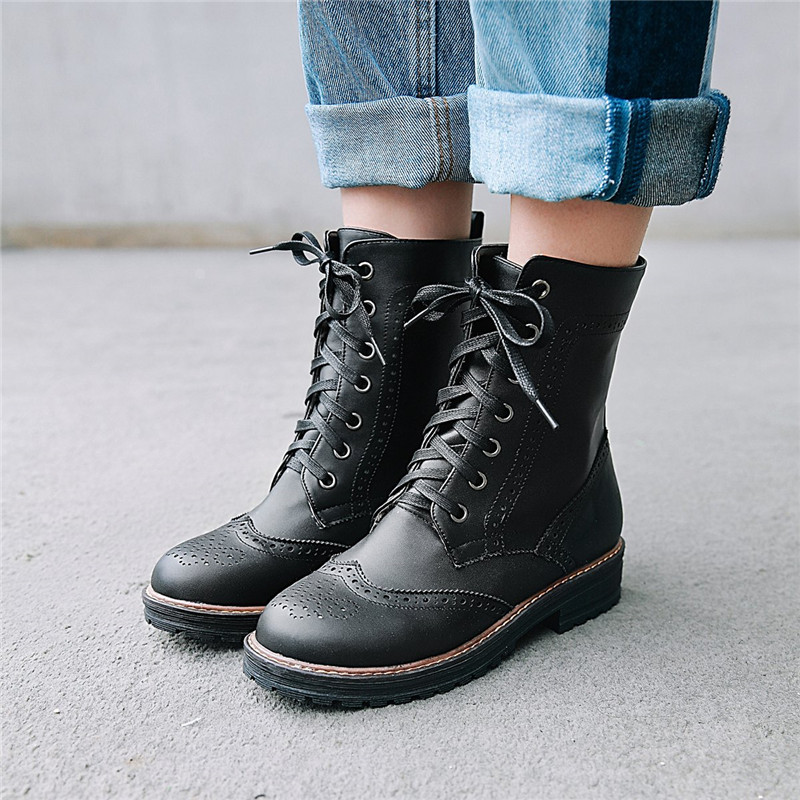 2018 Autumn Lace Up Footwear Woman Ankle Boots Female Black White Cross Tied Short Military Combat Boots Punk Rock Shoes