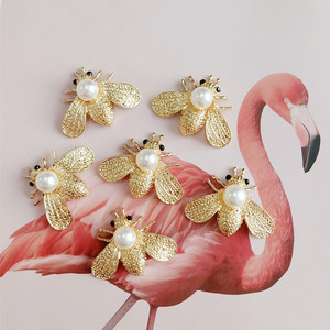5pcs/lot Rhinestone Insects Buttons Bee Buckles Badge Brooch Pin Buttons for Clothing Women DIY Aceessories Bag Shoes(China)
