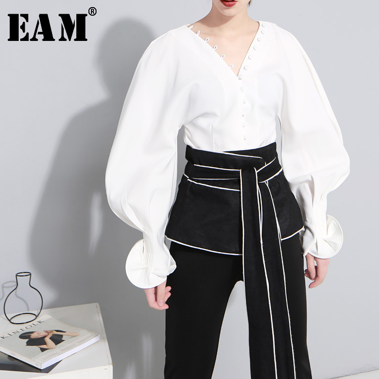 [EAM] Women White Lantern Sleeve Ruffles Blouse New V-colllar Sleeve Loose Fit Shirt Fashion Tide Spring Autumn 2020 JI005
