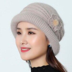 Image 2 - Frauen Wolle Hut Kappe Woolen Beanie Hut Winter Gestrickte Hüte mit Blume Muster Damen Mode Warme Frauen Capot Skullies Kappe