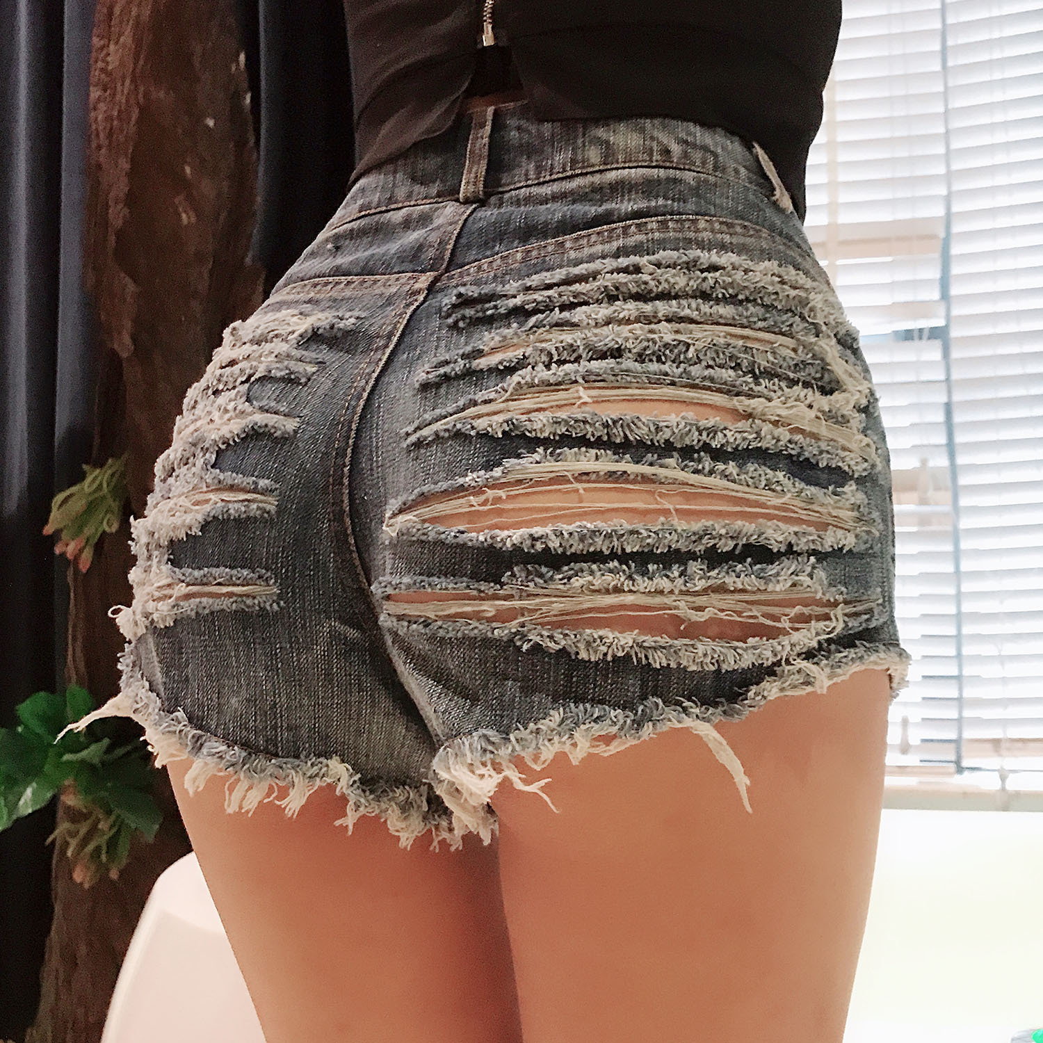 High Waisted Mini Jeans Shorts Women Hollow Out Sexy Booty Mini Blue White Black Shorts Sexy Denim Shorts Hot Pants