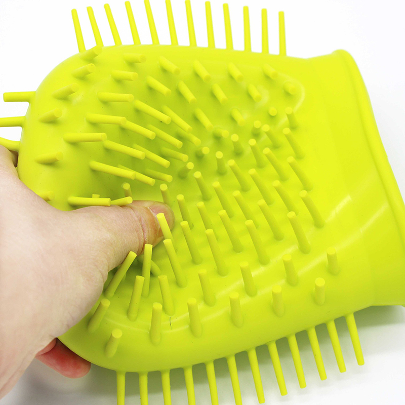 Benepaw Dog Paw Cleaner Shower Brush 2 In 1 Portable Soft Silicone Pet Foot Washer Effectively Cleaning Cup Puppy Cats Massage 16