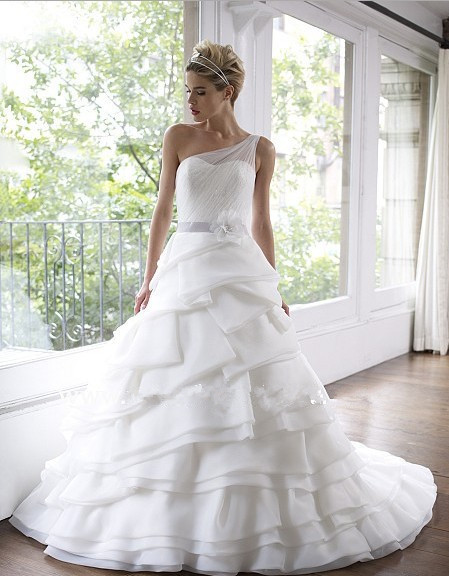 Free Shipping 2016 Full A-line Layers Of Satin Faced Organza Tulle Pleated Lace Subtle Beading Sash Wedding Dress Bridal Gown