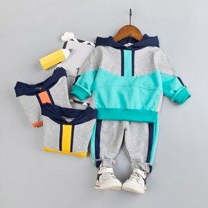 Image 2 - Комплект одежды для маленьких мальчиков, хлопковый спортивный костюм, штаны, пальто с капюшоном, комплект из 2 предметов, детский спортивный костюм, одежда для девочек, цветная строчка