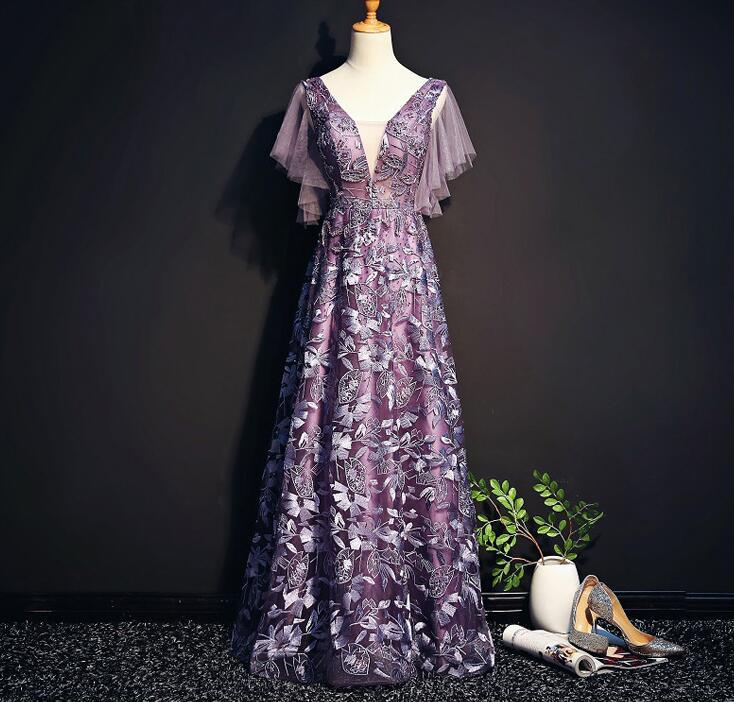 Elegant Purple Quinceanera Dresses V Neck Beads Lace Applique Girls Party Gowns A Line Sweet 16 Dresses Cheap Stock S-4XL