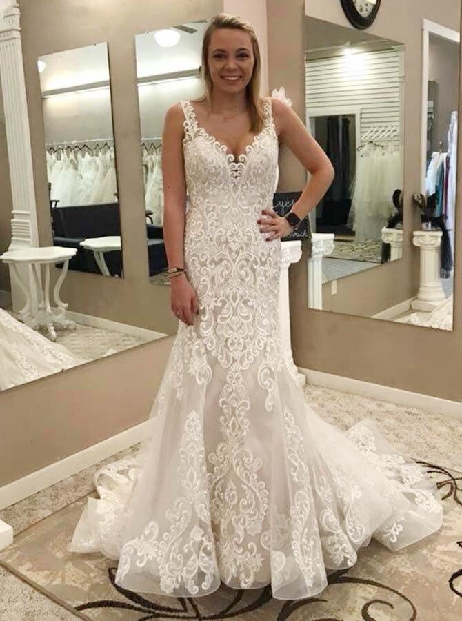 2019 Vintage Mermaid Wedding Dresses Plus Size Lace Appliques Sexy V-Neck Button Back Sweep Train Bridal Gowns Vestido De Noiva