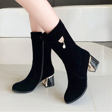 Plus Size 34-43 New Fashion Women High Heel Ankle Boots Suede Leather Women Boots Zip Short Plush Square Heel Black Winter Boots esveva 2018 new zipper gray autumn women boots cow suede square med heel ankle boots buckle fashion motorcycle boots size 34 40