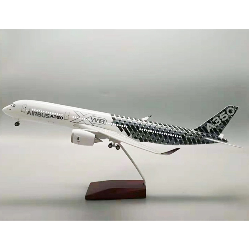 1:160 Scale Airbus A380 EMIRATES Airline Airplane <font><b>Model</b></font> <font><b>Aircraft</b></font> <font><b>Model</b></font> with Light Wheel Diecast Plastic Resin Plane Gift image