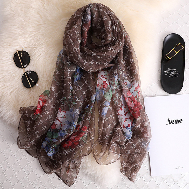 China Good Quality Silk Autumn And Winter Women Popular Hijab Fashion Party Shawls Female New Style Beach Print Large Scarves