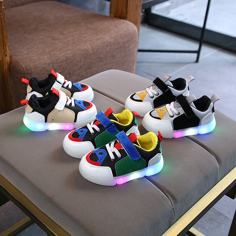 2020 New hot sales cool LED lighted children sneakers fashion cute infant tennis sports running baby girls boys kids shoes
