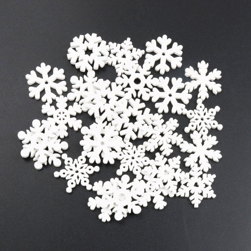 20Pcs Wooden Christmas Snowflake Natural Scrapbooking Craft For Embellishments Handmade DIY Handicraft Decoration 25-35mm