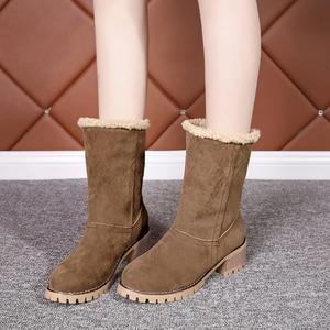 Image 4 - 저렴한 판매 2019 겨울 여성 패션 발목 부츠 플록 하이힐 짧은 부츠 숙녀 빅 사이즈 43 여성 Botas 모피 따뜻한 신발
