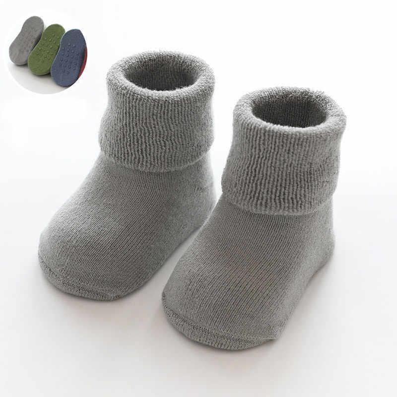 Calcetines de bebé recién nacido Terry Anti Slip calcetines para bebé invierno cálido grueso bebé niñas NIÑOS Calcetines sólidos ropa infantil Accesorios