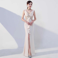 Sexy Split Chinese Evening Dress Long Cheongsam Host Party Dresses Women Oriental Wedding Gowns Qipao China Womens Clothing