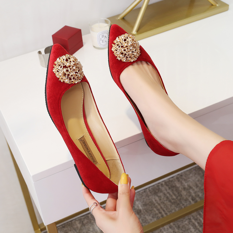 Women Wedding Shoes Chinese Red Pointed Toe Flock Leather Flat Heel Shoes Banquet Slip On Soft Sole Plus Size 41 42 43 44