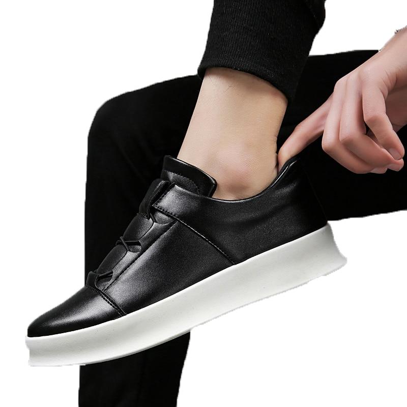 Unisex Summer Men Casual Mesh Breathable Lightweight Slip On Shoes For Men Rubber Bottom Non-Slip Wear-resistant Male Shoes