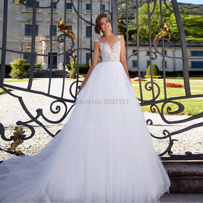 Tulle Ball Gown Wedding Dresses Lace Appliques Sleeveless Scoop Court Train Bridal Gown Vestidos De Noiva Robe De Soiree