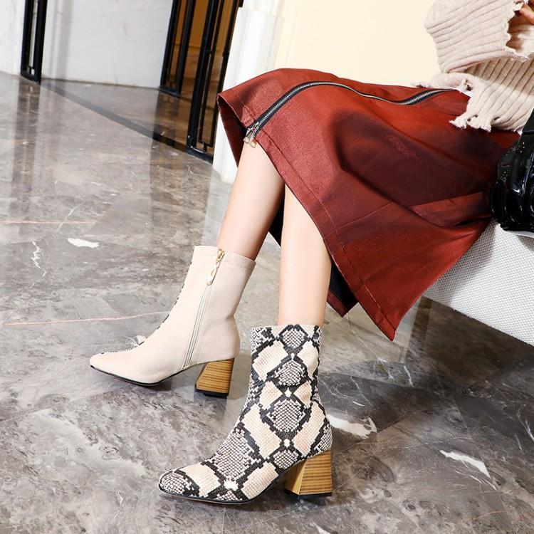 2019 Women Winter Boots Faux Fur Short Boots Pointed Toe Square Heel Boots Ankle Boots Fashion Winter Women Shoes