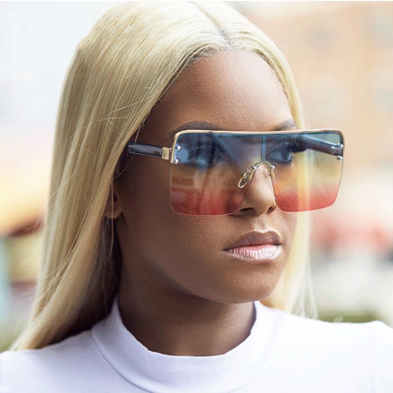 Очки солнцезащитные женские с градиентными линзами стильные