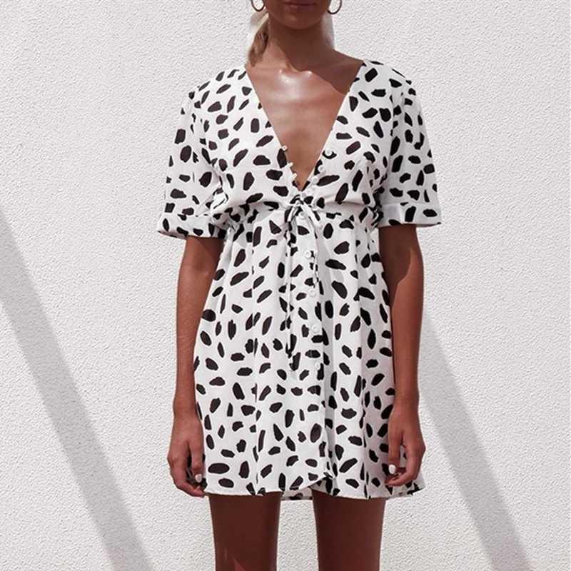 رمال بيضاء للبناء بقعة صغيرة 2019 فساتين الصيف النساء الخامس الرقبة فستان الشمس الشاطئ عادية مثير بوتون التفاف Bodycon فستان الإناث