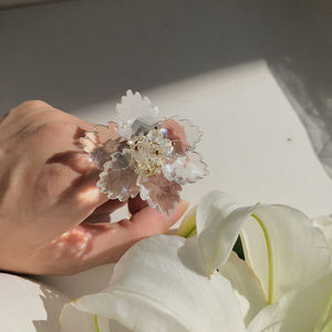 Doreen Box Joker New Crystal Transparent Flower Ring Temperament Fashion Sweet Rings Personality Exaggerated Jewelry, 1 PC