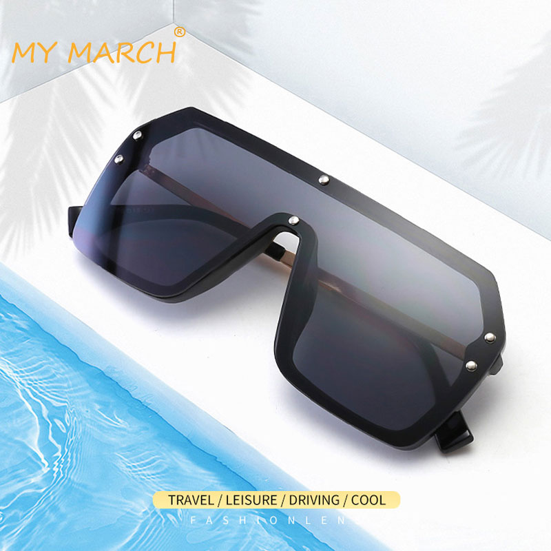 2020 New Oversized Sunglasses Women Big Frame Square Flat Top Rivet Sun Glasses Female Men Vintage Mirror Shades Gradient UV400