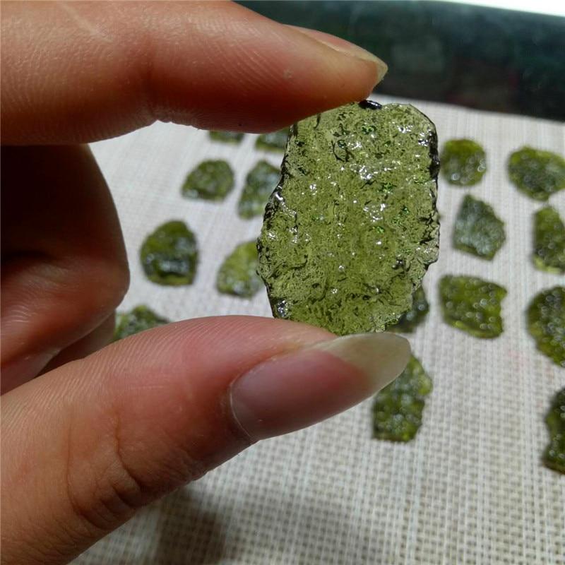 Hot Sale A++ Natural Moldavite green aerolites crystal stone pendant energy apotropaic 4g-6g/ lot+ free rope Unique Necklace(China)