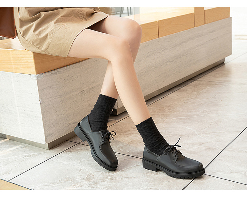 2020 British Style Soft Leather Women Flats Oxfords Black White Flat Oxford Shoes For Woman Round Toe Student Brogue Shoes (20)