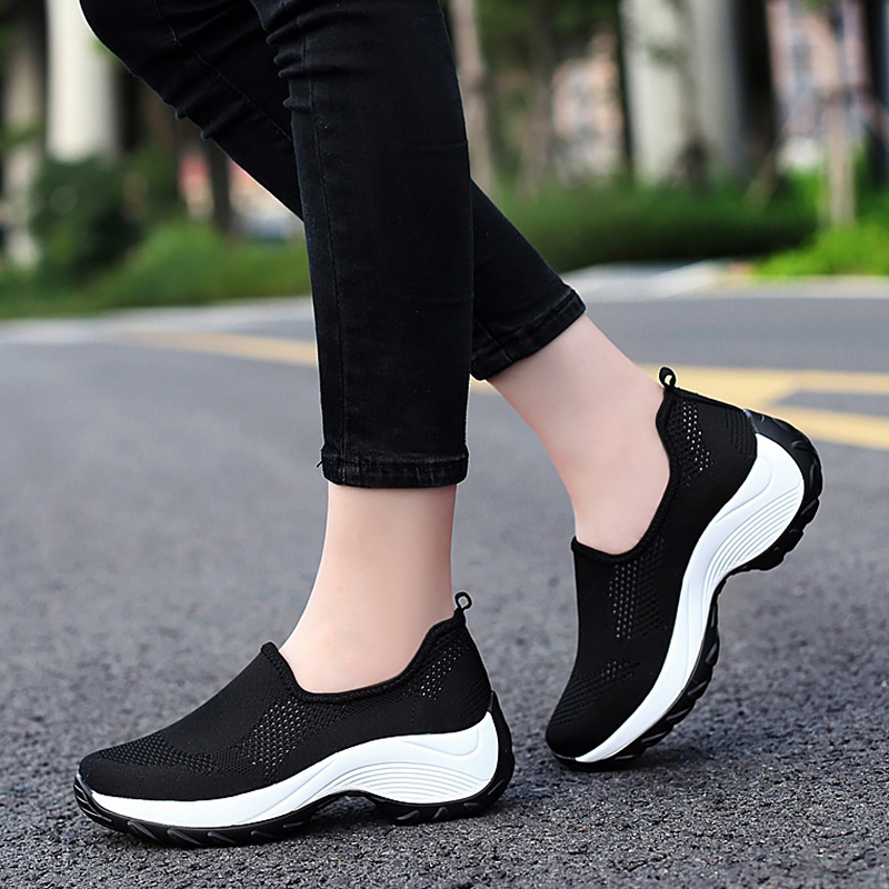 2019 Female Slip-on Woman Sneakers High Quality Non Slip Comfortable Casual Shoes Sneakers Breathable Outdoor Walking Shoes