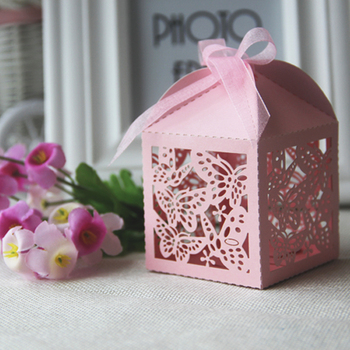 100pcs/lot White Candy Boxes Laser Cut Butterfly Patterns High Quality Gift Boxes For Wedding Ceremony Birthday Party