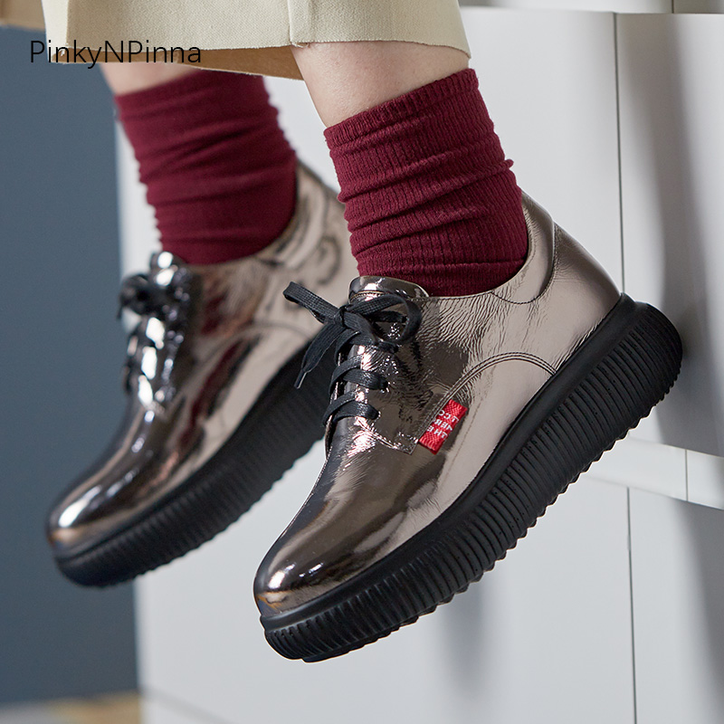 Promo 2020 spring young women punk street platform flat sneakers genuine leather soft shining laser nightclub holiday shoes plus size