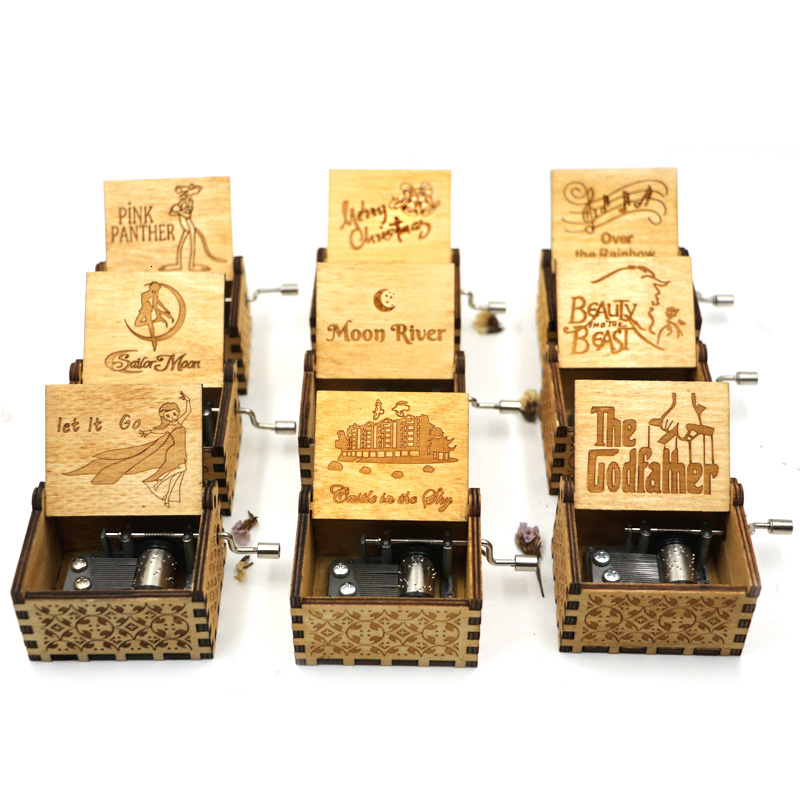 Wholesale Antique Wooden Hand Crank New Carved Queen Music Box Christmas Gift Birthday Gift Party Casket Anonymity Decoration