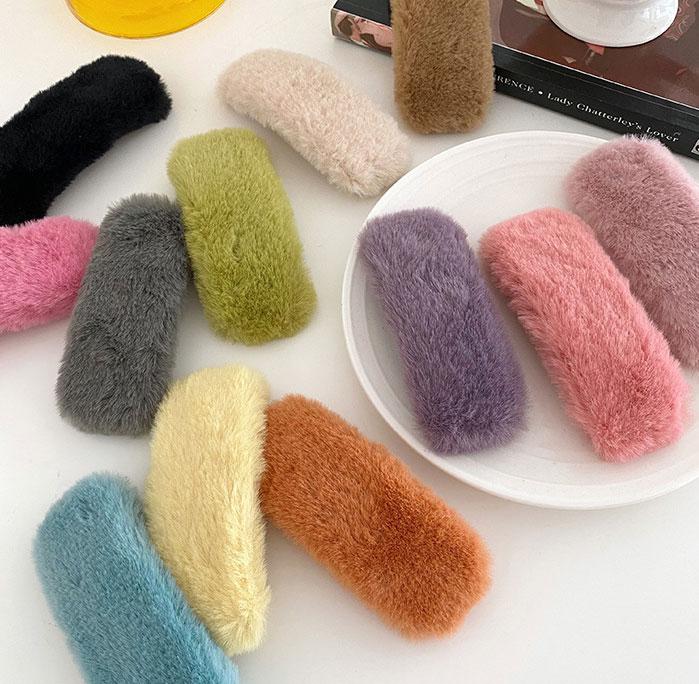 Zimowe Faux Rabbit Fur spinki pluszowe spinki do włosów kobiety cukierki kolor boczny zacisk kwadrat geometryczny Barrettes dziecięce akcesoria do włosów