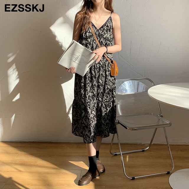 French V-neck lace floral sling dress women female 2021 summer Korean long bohe dress print camis dress 2