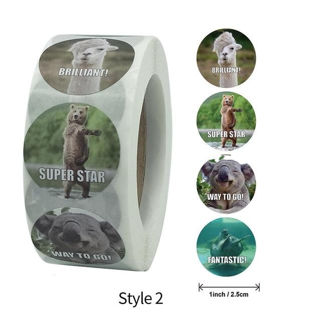 500 Pcs/roll 2.5 CENTIMETRI Adesivi Ricompensa per Gli Insegnanti Divertimento Motivazionale & Incentivo Adesivi per I Bambini Alla Moda Animale Meme giocattoli Adesivi