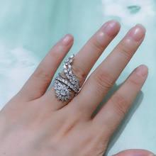 Женское кольцо с белым кристаллом и кубическим цирконием bilincolor