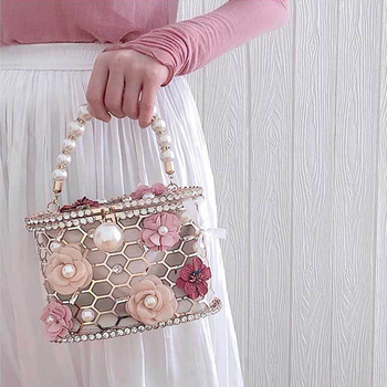 Luxury Elegant Flower Pearl Metal Hollow Handbag   6