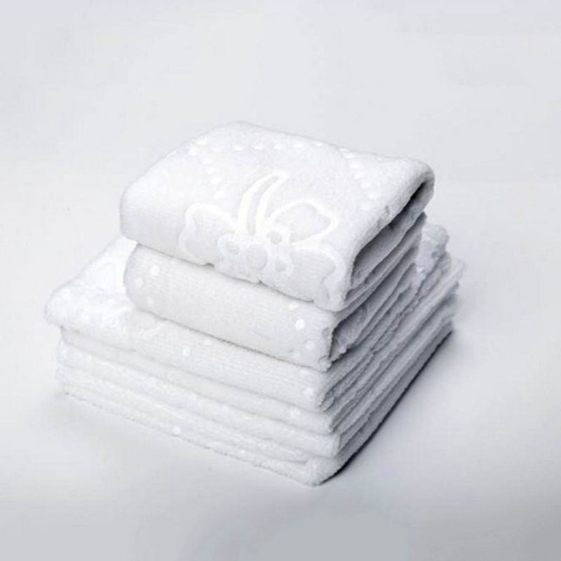 Ultrasonic Cut Edge Lace Square White Napkin Wmbossed Fiber Wipes Handkerchief Disposable Supplies For Hotel Restaurant  GXMC