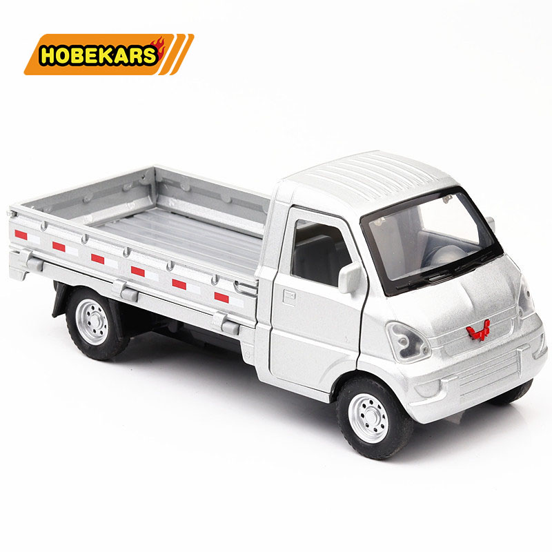 Diecast Car 1/32 Model Truck Liuzhou Metal Alloy Light Car Simulation Pull Back Vehicles Cars Toys For Kids Gifts For Children