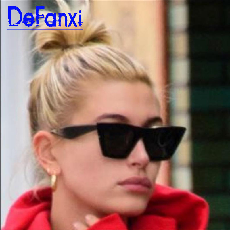 2020 nueva marca gafas de sol angulares negras de ojo de gato gafas cuadradas de lente plana de mujer gafas de sol teñidas de marca de plástico para mujer