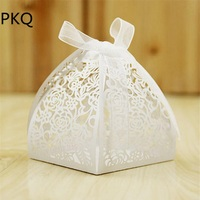 100Pcs Wedding Favors Boxes 6*6*7 cm Paperboard Laser Cut Gift Bag Candy Box for Garden Wedding Decoration Supplies White/Pink