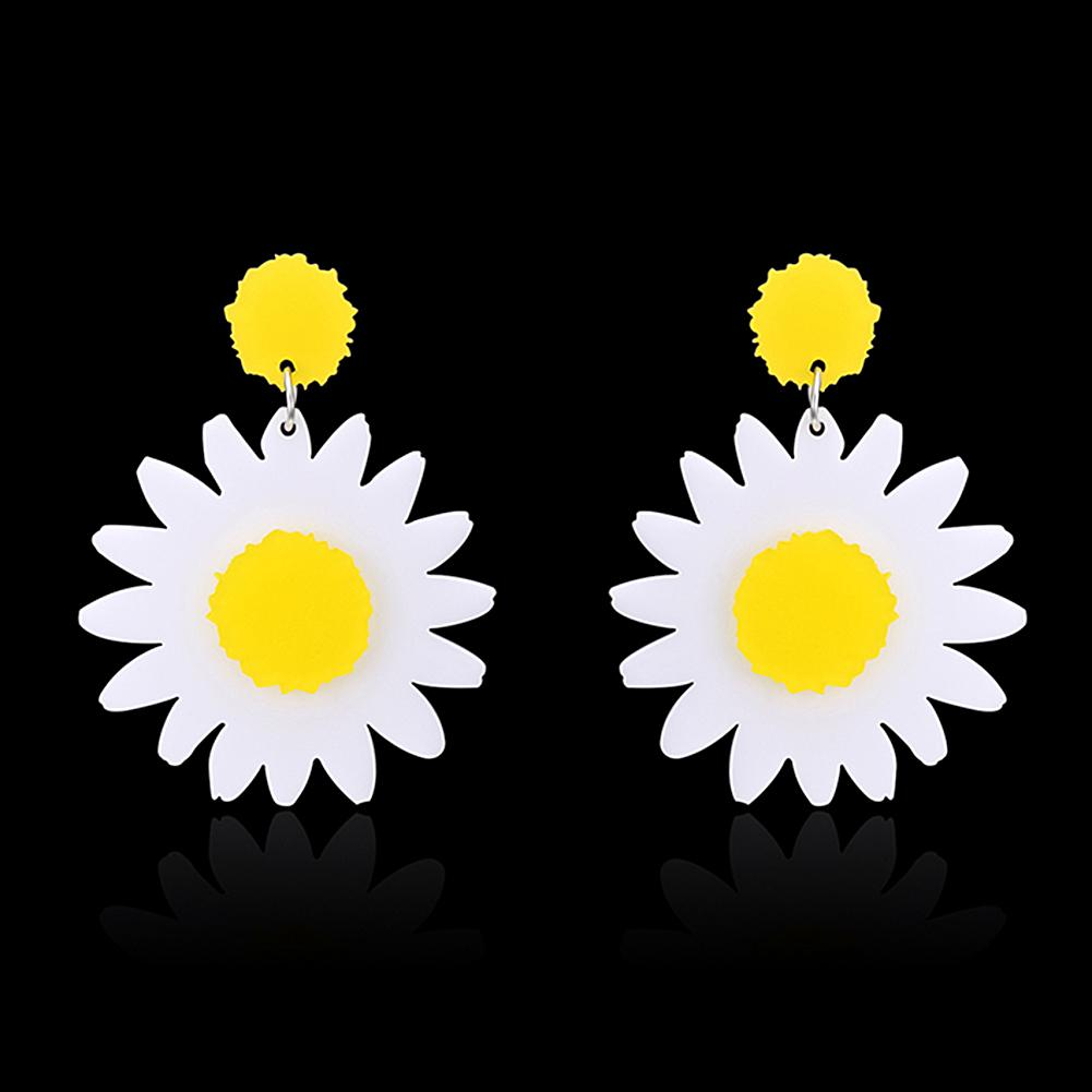 New Arrivals Women Classic Flower Stud Earring Simple White Daisys Fashion Jewelry Accessories Girls Gifts Brincos