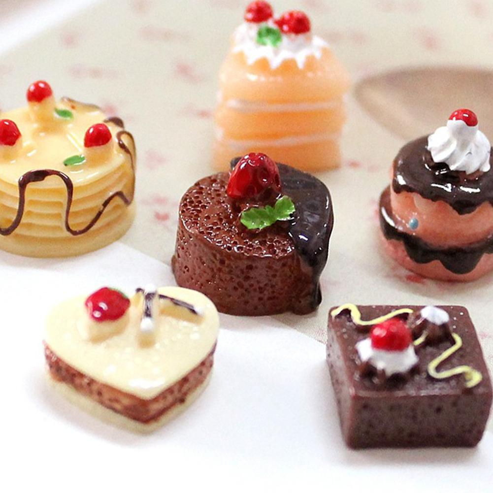 3Pcs Simulation Chocolate Cakes Miniature Food Figurine Dollhouse Accessorie Resin Cake Model Durable Table Decoration Non-toxic